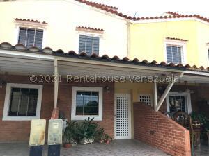 Townhouse En Ventaen Municipio San Diego, Los Jarales, Venezuela, VE RAH: 21-25504