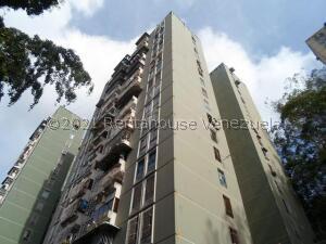 Apartamento En Ventaen Los Teques, El Encanto, Venezuela, VE RAH: 21-24586