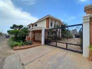 Casa En Ventaen Maracaibo, Lago Mar Beach, Venezuela, VE RAH: 21-13783