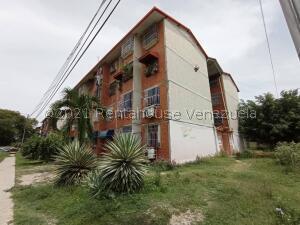 Apartamento En Ventaen Maracay, Madre Maria, Venezuela, VE RAH: 21-24654