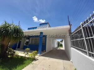 Casa En Ventaen Valencia, Trigal Centro, Venezuela, VE RAH: 22-11