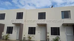 Casa En Ventaen Barquisimeto, Terrazas De La Ensenada, Venezuela, VE RAH: 21-25577