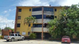 Apartamento En Ventaen Higuerote, Higuerote, Venezuela, VE RAH: 21-25867
