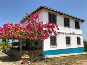 Casa En Ventaen Higuerote, Mirador Bahía De Buche, Venezuela, VE RAH: 21-26076