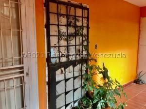 Apartamento En Ventaen Punto Fijo, Las Virtudes, Venezuela, VE RAH: 21-25677