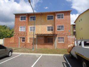 Apartamento En Ventaen Guatire, Alto Grande, Venezuela, VE RAH: 21-25877