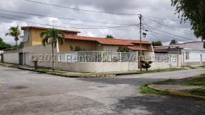 Casa En Ventaen Cabudare, La Hacienda, Venezuela, VE RAH: 21-25678
