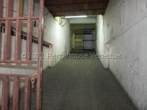 Local Comercial En Ventaen Caracas, El Conde, Venezuela, VE RAH: 21-25732