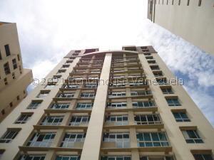 Apartamento En Alquileren Caracas, Campo Alegre, Venezuela, VE RAH: 21-25693