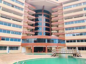 Apartamento En Ventaen Margarita, Costa Azul, Venezuela, VE RAH: 21-25704