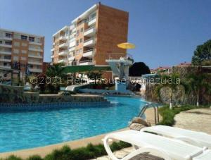 Apartamento En Ventaen Higuerote, Agua Sal, Venezuela, VE RAH: 21-12683