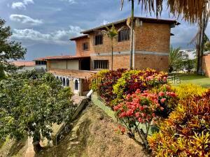 Casa En Ventaen Caracas, Santa Paula, Venezuela, VE RAH: 21-5301