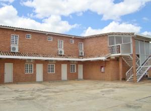 Edificio En Ventaen Anaco, Las Tinajas, Venezuela, VE RAH: 21-25827
