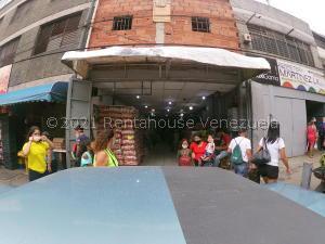 Local Comercial En Ventaen Caracas, Catia, Venezuela, VE RAH: 21-25862
