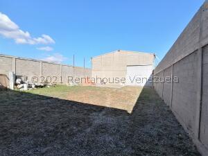 Galpon - Deposito En Ventaen Cabudare, Parroquia José Gregorio, Venezuela, VE RAH: 21-25863