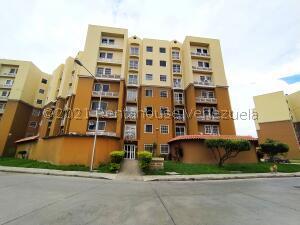 Apartamento En Ventaen Intercomunal Maracay-Turmero, Intercomunal Turmero Maracay, Venezuela, VE RAH: 21-26033