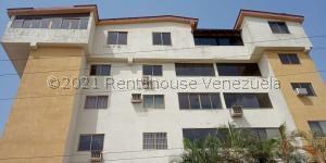 Apartamento En Ventaen Higuerote, Carenero, Venezuela, VE RAH: 21-26558