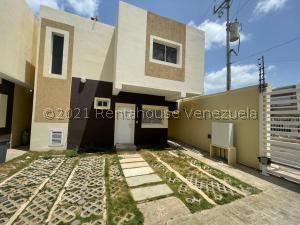 Townhouse En Ventaen Punto Fijo, Santa Fe, Venezuela, VE RAH: 21-25982