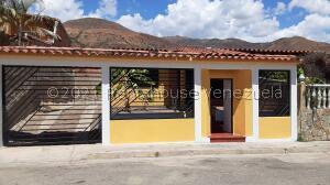 Casa En Ventaen El Consejo, El Manantial, Venezuela, VE RAH: 21-25975