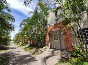 Casa En Alquileren Cabudare, Tarabana Plaza, Venezuela, VE RAH: 21-25926