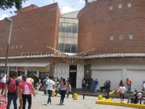 Local Comercial En Ventaen Caracas, Petare, Venezuela, VE RAH: 21-25088
