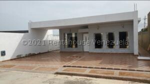 Casa En Ventaen Punto Fijo, Pedro Manuel Arcaya, Venezuela, VE RAH: 21-25938