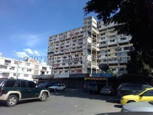 Apartamento En Ventaen Caracas, Parroquia 23 De Enero, Venezuela, VE RAH: 21-25956