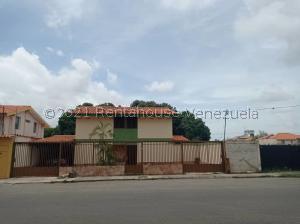 Casa En Ventaen Barquisimeto, Parroquia Union, Venezuela, VE RAH: 21-25959