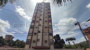 Apartamento En Ventaen Maracay, Los Caobos, Venezuela, VE RAH: 21-25979