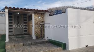Casa En Ventaen Cabudare, Valle Hondo, Venezuela, VE RAH: 21-25989