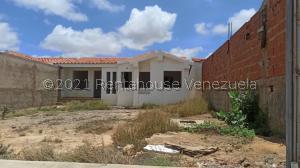 Casa En Ventaen Punto Fijo, Guanadito, Venezuela, VE RAH: 21-26020
