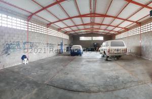 Galpon - Deposito En Ventaen Coro, Sector San Jose, Venezuela, VE RAH: 21-26606