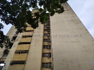 Apartamento En Ventaen Valencia, Lomas Del Este, Venezuela, VE RAH: 21-26062