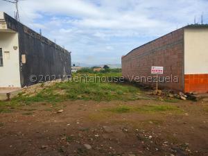Terreno En Ventaen San Antonio, Las Mesetas, Venezuela, VE RAH: 21-26053