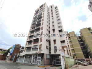 Apartamento En Ventaen Maracay, Zona Centro, Venezuela, VE RAH: 21-26071