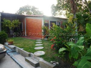 Casa En Ventaen Cabudare, Parroquia José Gregorio, Venezuela, VE RAH: 21-26098