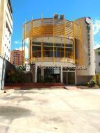 Local Comercial En Ventaen Maracaibo, Avenida Bella Vista, Venezuela, VE RAH: 21-26105