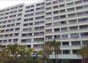 Apartamento En Ventaen Parroquia Caraballeda, Los Corales, Venezuela, VE RAH: 21-26116