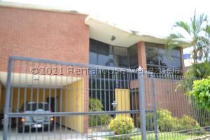 Casa En Ventaen Parroquia Caraballeda, Los Corales, Venezuela, VE RAH: 21-26799