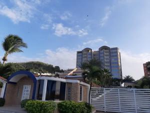 Apartamento En Ventaen Margarita, El Morro, Venezuela, VE RAH: 21-26174