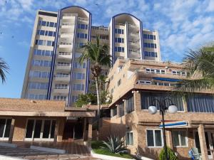 Apartamento En Ventaen Margarita, El Morro, Venezuela, VE RAH: 21-26182