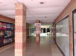 Edificio En Ventaen Punto Fijo, Centro, Venezuela, VE RAH: 21-26210