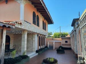 Casa En Ventaen Ciudad Ojeda, Calle Piar, Venezuela, VE RAH: 21-26336