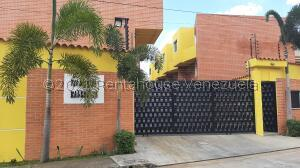 Townhouse En Ventaen Municipio Naguanagua, Manantial, Venezuela, VE RAH: 21-26269