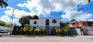 Casa En Ventaen Barquisimeto, Colinas De Santa Rosa, Venezuela, VE RAH: 21-26264