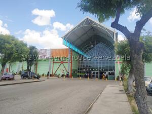 Local Comercial En Ventaen Municipio San Diego, La Esmeralda, Venezuela, VE RAH: 21-26388