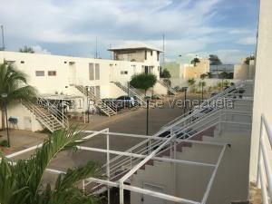 Apartamento En Ventaen Maracaibo, Monte Claro, Venezuela, VE RAH: 21-26575