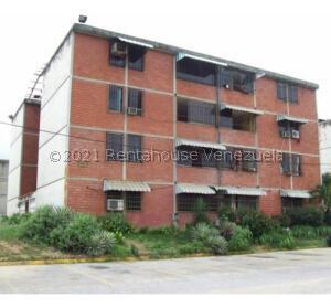 Apartamento En Ventaen Guatire, El Marques, Venezuela, VE RAH: 21-26411