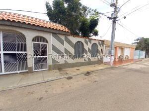 Casa En Ventaen Maracaibo, San Miguel, Venezuela, VE RAH: 21-26306