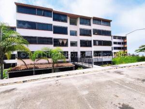 Apartamento En Ventaen Los Teques, El Solar De La Quinta, Venezuela, VE RAH: 21-26335